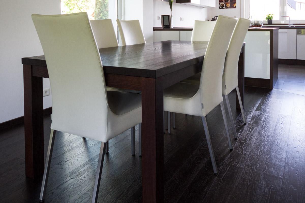 ma gefertigte individuelle tische schreinerei krickl. Black Bedroom Furniture Sets. Home Design Ideas